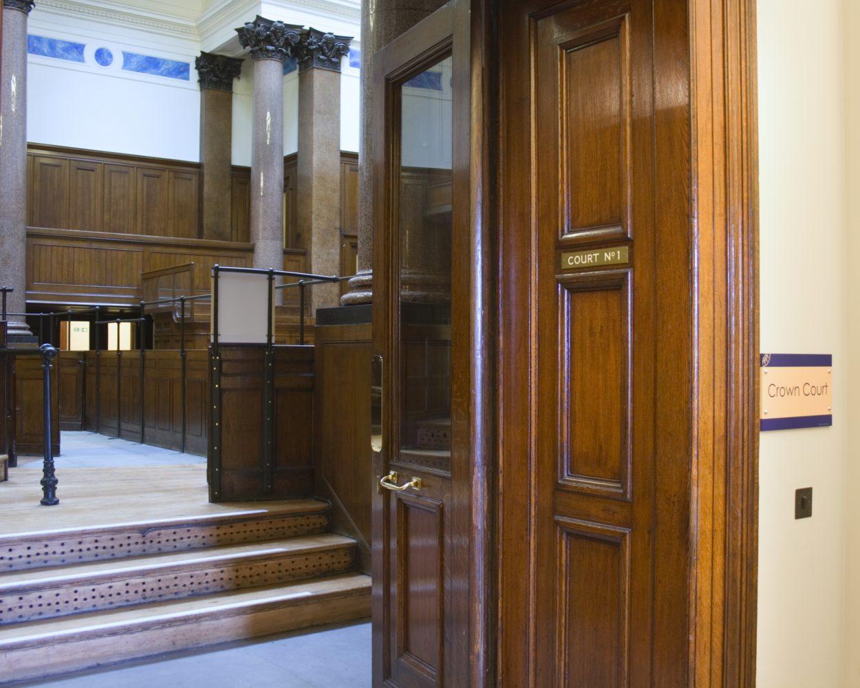 Crown court shutterstock_9769720